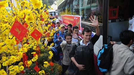xe tet 3 copy Hỗ trợ vé xe Tết cho sinh viên, công nhân