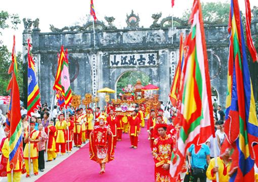 Trên 8 vạn lượt du khách đến lễ hội Côn Sơn - Kiếp Bạc