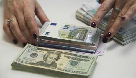 Đồng ruble Nga xuống thấp nhất 4 tháng