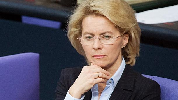 Bộ trưởng Quốc phòng Đức lại vướng vào bê bối mới