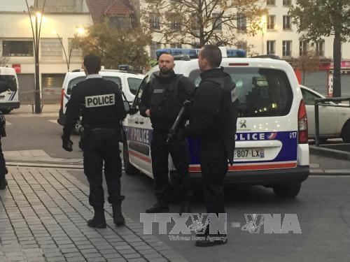 Vũ khí tấn công khủng bố Paris được mua lậu từ Đức