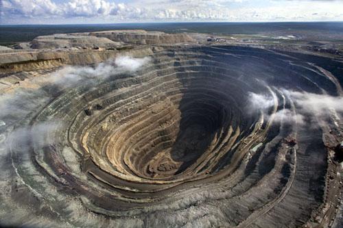 Nga cân nhắc bán 10,9% cổ phần trong công ty kim cương Alro