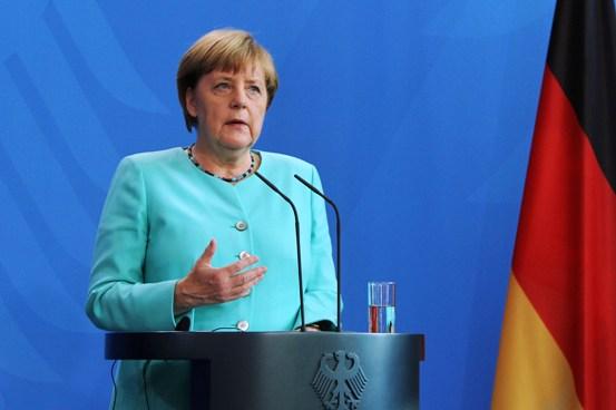 Tỷ lệ ủng hộ thủ tướng Merkel sụt giảm mạnh vì chính sách tị nạn. Ảnh: Mạnh Hùng