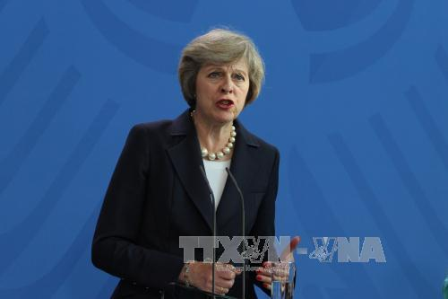 Thủ tướng Anh Theresa May phát biểu tại một cuộc họp báo. Ảnh: Trần Mạnh Hùng/TTXVN