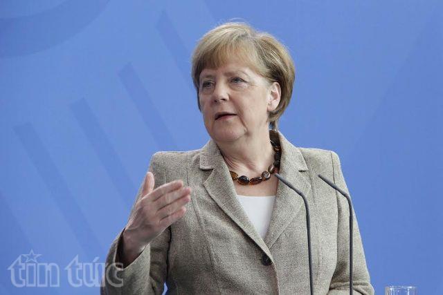 Bả Merkel hiện đang bị chỉ trích vì chính sách mở cửa đón người tị nạn.