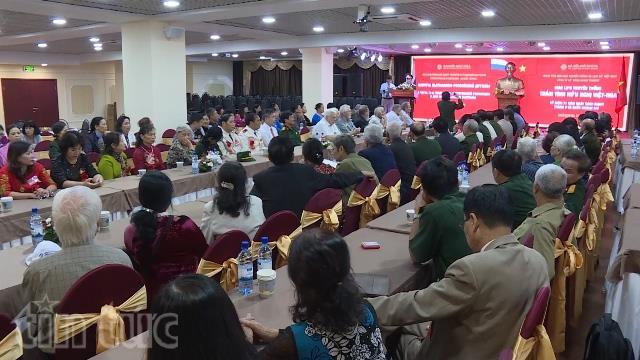 Giao lưu thắm tình hữu nghị Việt - Nga