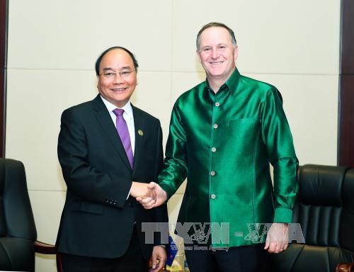 Thủ tướng Nguyễn Xuân Phúc hội kiến lãnh đạo Nhật Bản, New Zealand - Ảnh 2