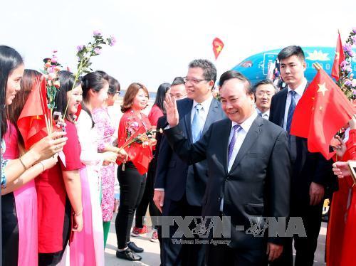 Thủ tướng tới Bắc Kinh, bắt đầu thăm chính thức Trung Quốc - Ảnh 2