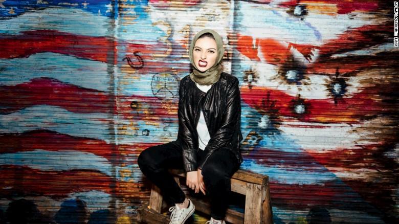 Kết quả hình ảnh cho Playboy lần đầu đăng ảnh phụ nữ đạo Hồi trùm khăn Hijab