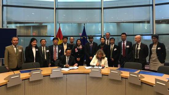 Việt Nam - EU hoàn tất thoả thuận chống khai thác gỗ bất hợp pháp. Ảnh: Thành Trung/TTXVN