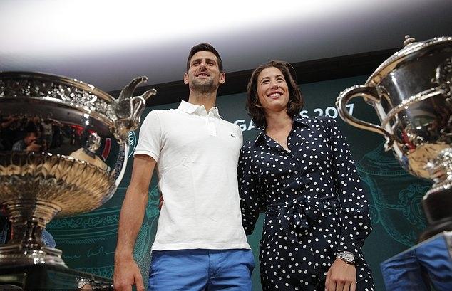 Andre Agassi tập cho Novak Djokovic, làng quần vợt sững sờ