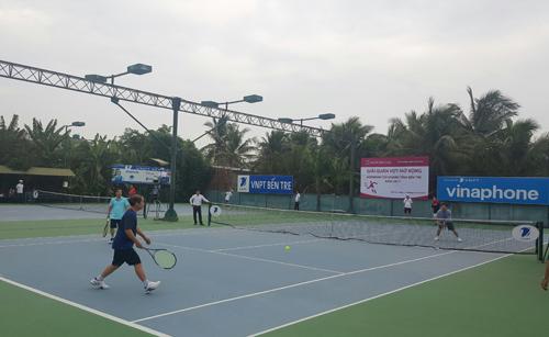 Agribank Bến Tre tổ chức giải quần vợt mở rộng