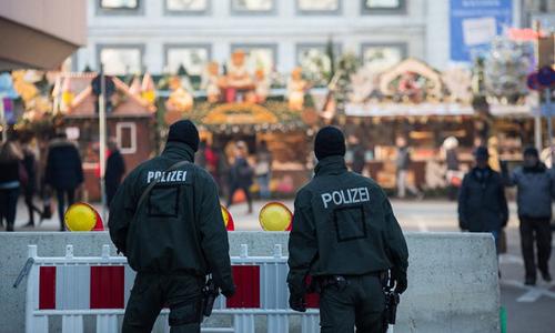 Cảnh sát Đức tại Stuttgart. Ảnh: EPA