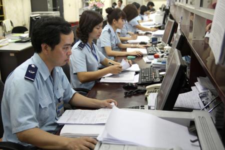 tuyển dụng nhân viên hải quan cho sinh viên