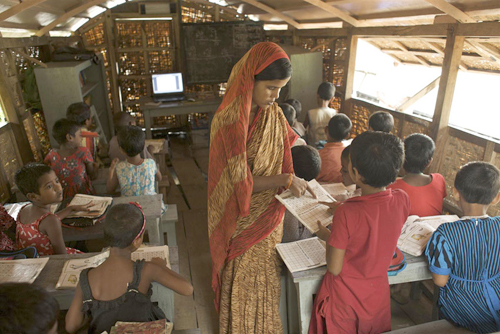 Bangladeshfloatingschool04.jpg