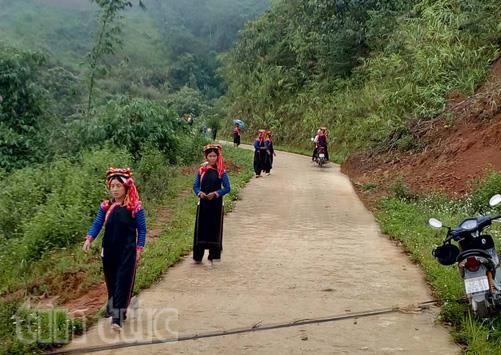 Từ ngày 15/5, đồng bào các dân tộc sinh sống trên địa bàn huyện biên giới Mường Tè (tỉnh Lai Châu), đã đi bầu cử trong không khí vui tươi, phấn khởi.