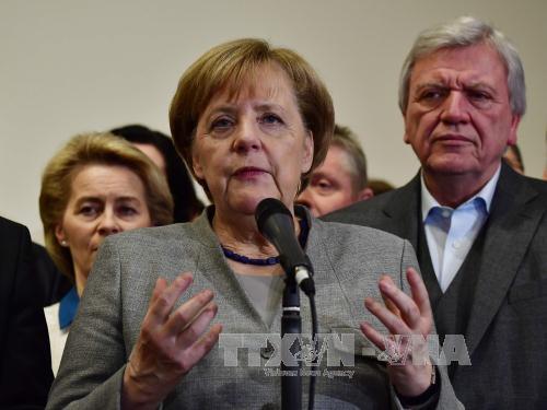 Thủ tướng Angela Merkel đã bày tỏ sự tiếc nuối khi đàm phán thất bại, song cam kết sẽ đưa nền kinh tế lớn nhất châu Âu này vượt qua giai đoạn khủng hoảng hiện nay. Ảnh: AFP/ TTXVN