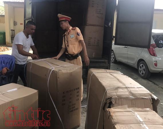 Hà Nội: Bắt giữ hàng loạt vụ vận chuyển hàng lậu, không rõ nguồn gốc