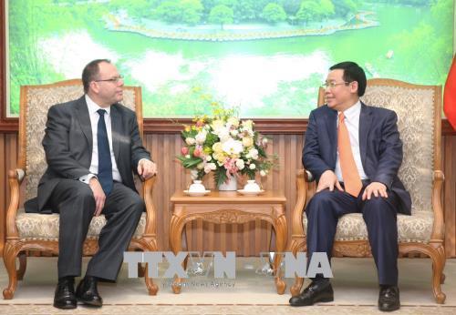 Phó Thủ tướng Mong muốn Prudential đầu tư vào trái phiếu Chính phủ