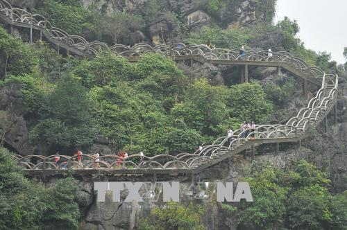 Sẽ tháo dỡ 900 bậc thang xây dựng trái phép tại khu vực Tràng An cổ