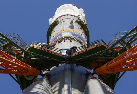 Tàu vũ trụ Soyuz - MS 09 trên bệ phóng tại sân bay vũ trụ Baikonur. Nguồn: oananews.org
