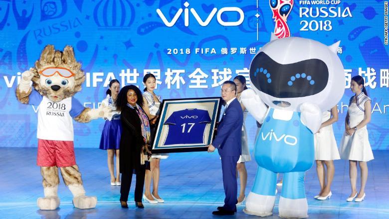 Quảng cáo Trung Quốc tràn ngập World Cup 2018