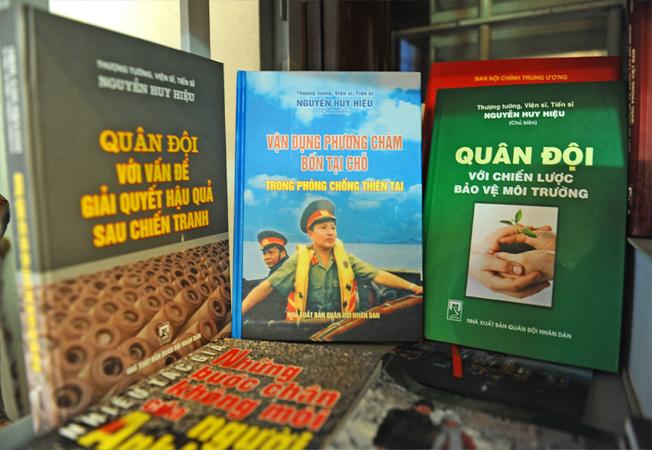 Ông đã trăn trở cho ra nhiều cuốn sách về môi trường.
