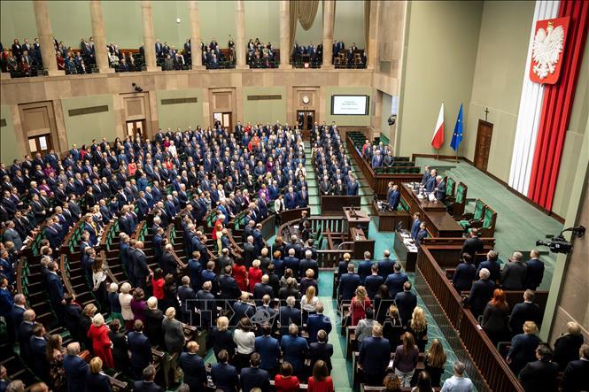 Quốc hội Ba Lan cho phép bỏ phiếu bầu cử tổng thống qua bưu điện