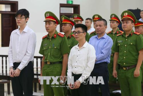 Y án sơ thẩm đối với ba bị cáo phạm tội tuyên truyền chống Nhà nước Cộng hòa xã hội chủ nghĩa Việt Nam