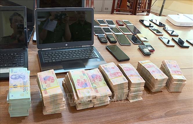 Triệt phá tụ điểm đánh bạc, bắt 22 đối tượng, thu giữ gần 80 triệu đồng