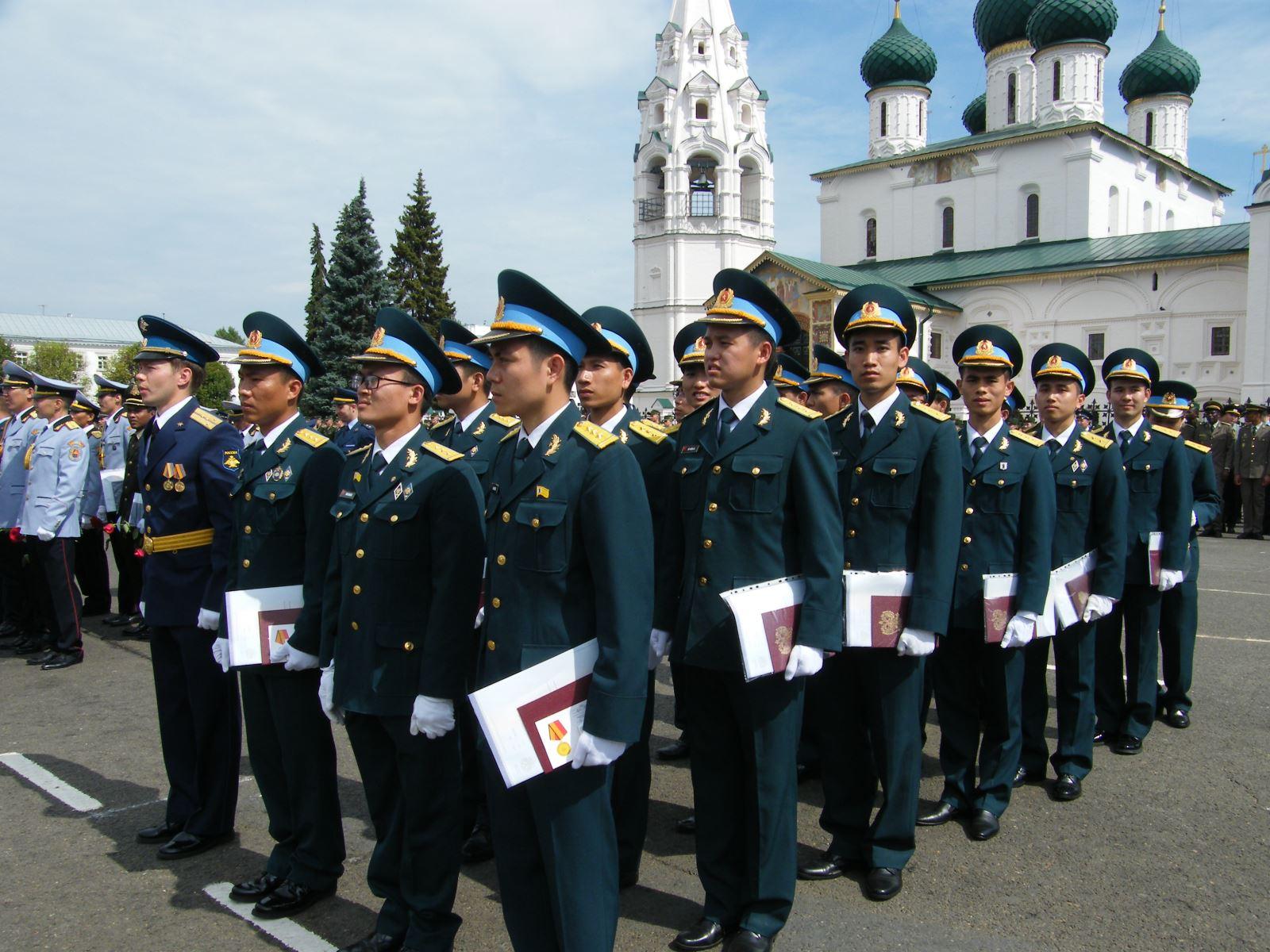 Ngày ra trường của các trắc thủ tên lửa Việt Nam tại Liên bang Nga