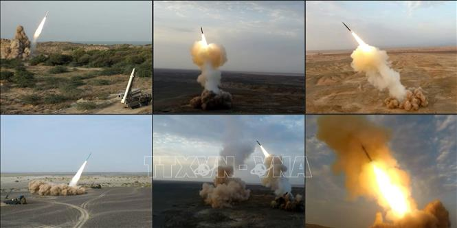 Iran 'trình làng' nhiều thiết bị quân sự mới